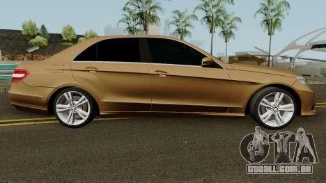 Mercedes-Benz E500 para GTA San Andreas vista traseira