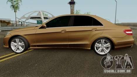 Mercedes-Benz E500 para GTA San Andreas esquerda vista