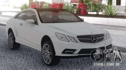 Mercedes-Benz E500 White para GTA San Andreas