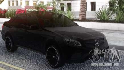 A Mercedes-Benz E63S W212 para GTA San Andreas