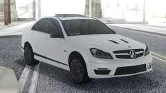 Mercedes-Benz C63 AMG Sedan para GTA San Andreas