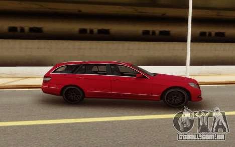 Mercedes-Benz E-Class Universal para GTA San Andreas