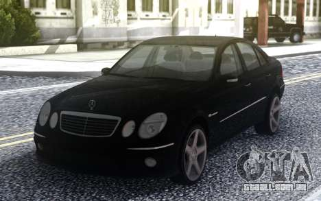 Mercedes-Benz E55 AMG W211 para GTA San Andreas