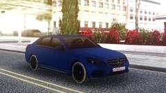 Mercedes-Benz E200 CGI para GTA San Andreas