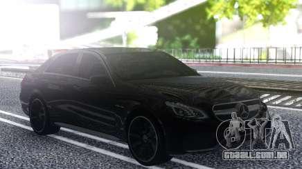 Mercedes-Benz W212 E63S para GTA San Andreas