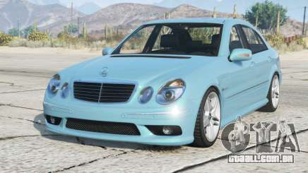 Mercedes-Benz E 55 AMG (W211) 2002 v2.2 para GTA 5